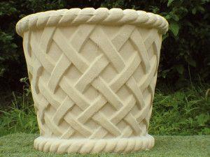 Large Lattice Stone Tub
