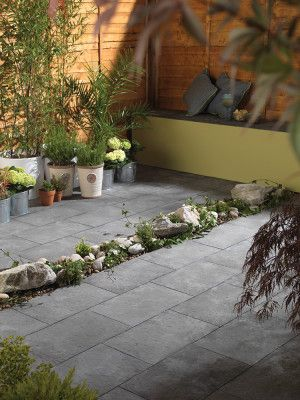 Bradstone - Aged Riven - Dark Grey - Patio Pack