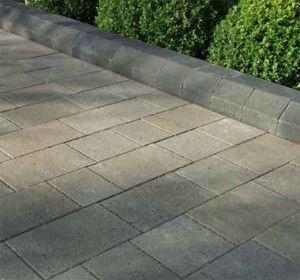 Stonemarket - Avenu Driveway Kerb - Splayed Charcoal - 130 x 160 x 250mm