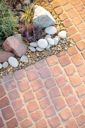 Bradstone - Carpet Stones - Cobble - Rustic Red