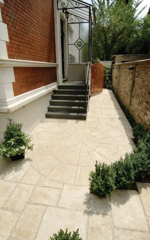 Bradstone - Old Town Paving - Weathered Limestone - Circles