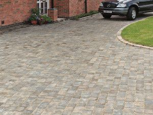 Bradstone - Woburn Rumbled Block Paving - Graphite - Single Sizes