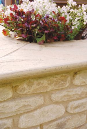 Global Stone - Sandstone Bullnose Flags - Modak Rose - 560 x 422mm
