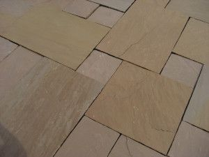 Indian Sandstone Paving - Autumn Brown - Circles