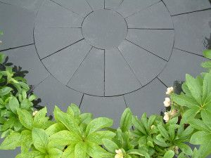 Indian Limestone Paving - Midnight Kota Black - Circles