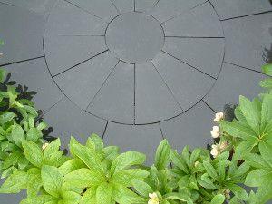 Indian Limestone Paving - Midnight Kota Black - Circles