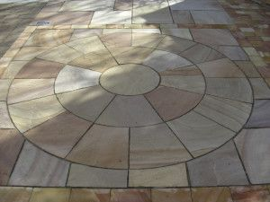 Indian Sandstone Paving - Rippon Buff - Circles