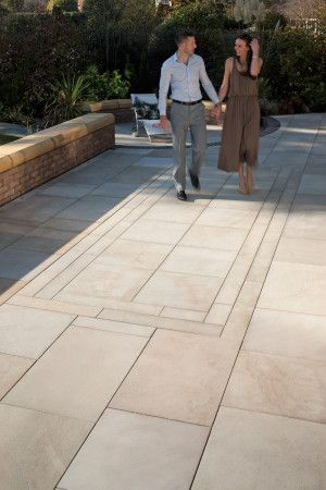 Marshalls - Fairstone Sawn Versuro Linear Garden Paving - Caramel Cream - 845 x 140mm