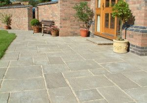 Courtyard Paving - Old Grey - Oakham Pattern - Patio Pack