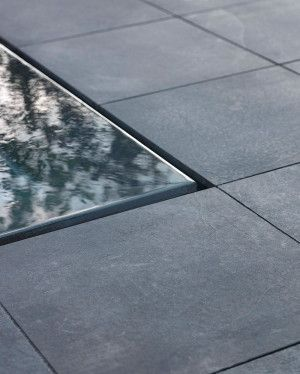 Stonemarket - Lucent Paving - Blue - Single Sizes