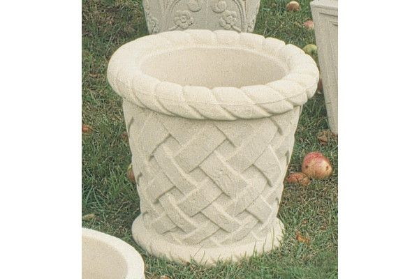 Stone Lattice Tub