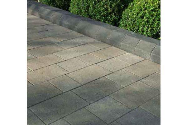 Stonemarket - Avenu Driveway Kerb - Splayed Charcoal - 130 x 160 x 250mm - Individual