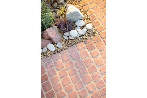 Bradstone - Carpet Stones - Cobble - Rustic Red (Individual Slabs)