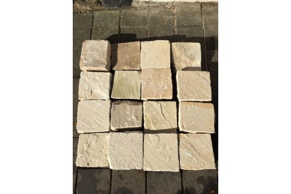 Bradstone - Natural Sandstone Paving - Fossil Buff - 100 x 100mm Setts