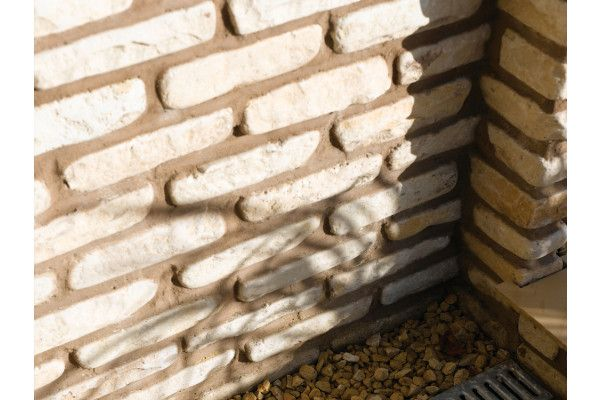 Bradstone - Natural Sandstone Walling - Fossil Buff - Mixed Size Pack