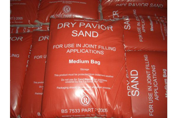 Kiln Dry Silver Silica Sand - 25kg Carry Bags
