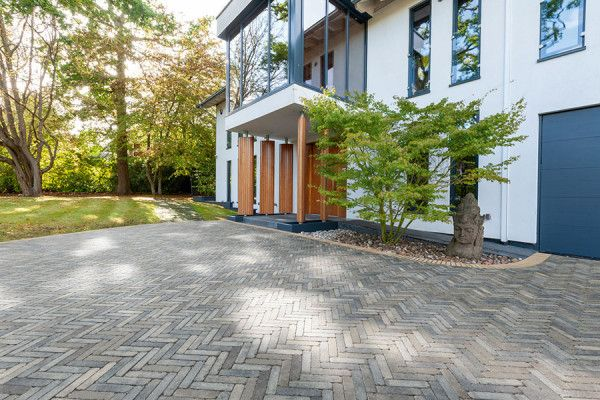 Stonemarket - Natural Stone - Darley Setts - Charcoal Multi