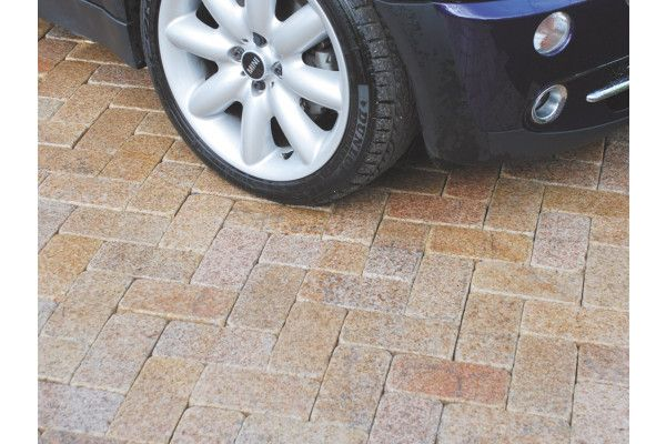 Global Stone - Polar Granite Driveway Cobbles Collection - Polar Sun - 200 x 100mm