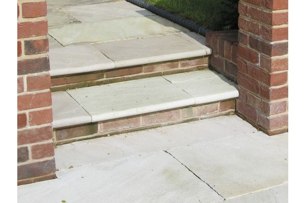 Global Stone - Sandstone Bullnose Flags - Mint - 560 x 422mm - Individual