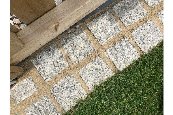 Granite Cobbles (Setts) - Light Grey - Individual Blocks