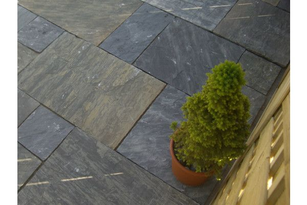 Indian Sandstone Paving - Sagar Black Charcoal (Yorkstone) - Patio Packs