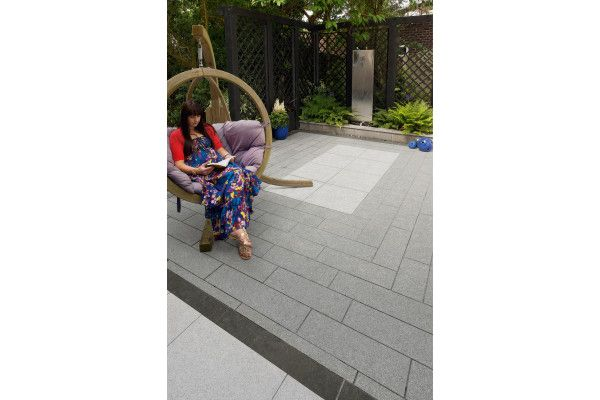 Marshalls - Eclipse Natural Granite Paving - Dark - Project Pack
