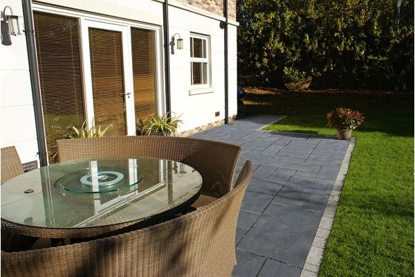 Marshalls - Fairstone Limestone Aluri Riven Garden Paving - Charcoal - Project Pack