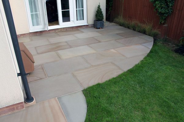 Indian Sandstone Paving - Polished Rippon Buff - 900 x 600mm