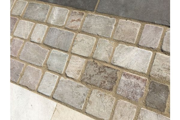 Indian Sandstone Cobbles - Tumbled Rippon Buff - 1m2