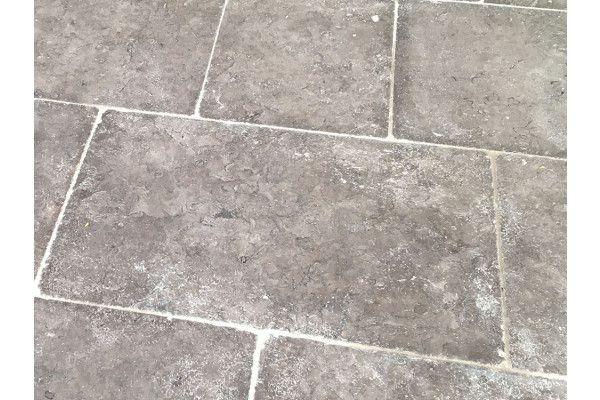 Stonemarket - Namera Limestone Paving - Desert Brown - Step Tread