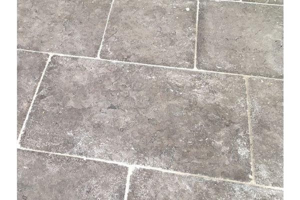 Stonemarket - Namera Limestone Paving - Desert Brown - Step Tread - Individual