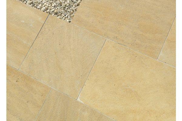 Stonemarket - Namera Limestone Paving - Pyramis Gold - Step Tread - Individual