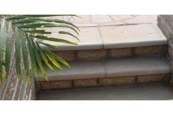 Strata Stones - Bull Nosed Steps - Raj