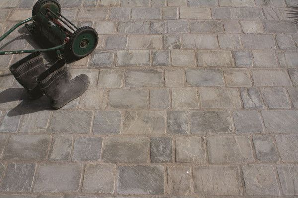 Strata Stones - Block Paving - Pave Setts - Mixed Pack - Grey