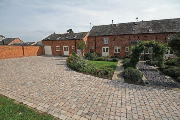 Wyresdale - Abbey Tumbled Setts - Rustic - Single Sizes