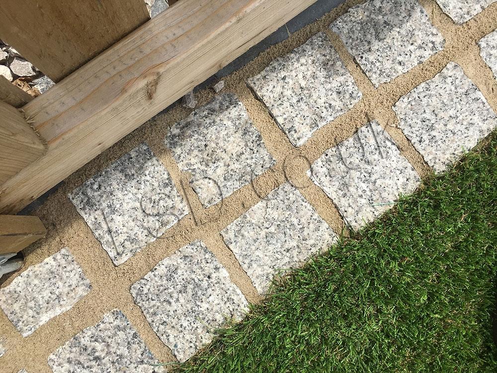 image of grey paving setts