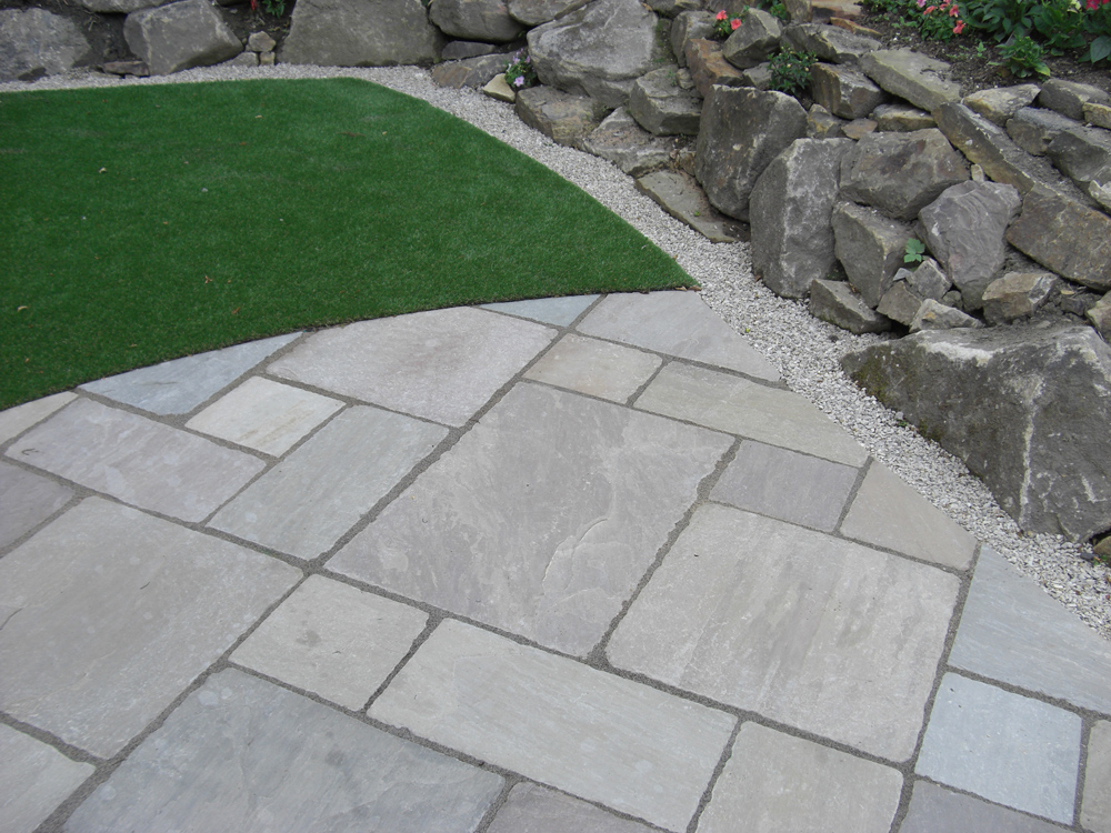 Tumbled raj green patio pack indian sandstone patio slabs for Green pavers