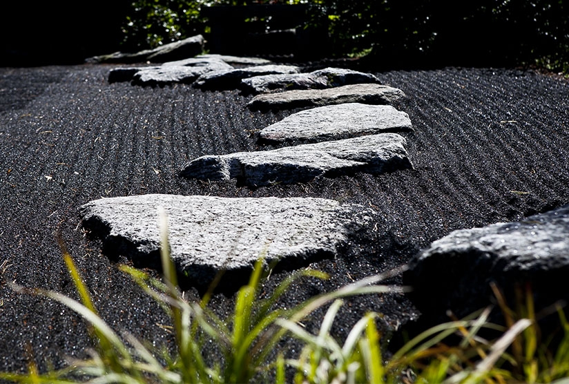 Black Pebbles and Decorative Aggregates - Garden Landscaping ideas